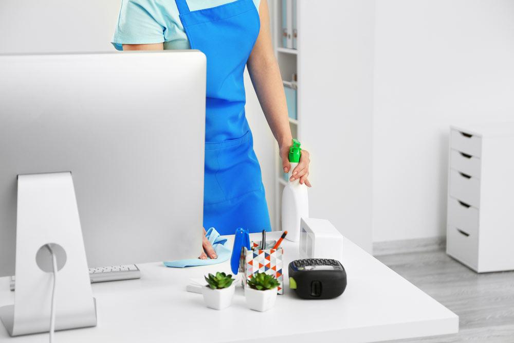 Büroopindade koristus